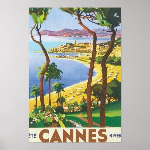 Scène vintage de plage de Cannes de voyage Posters