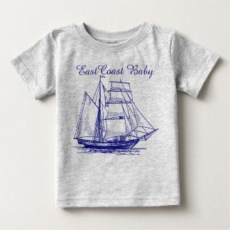 Schooner de bateau de voilier de bébé de Côte Est T-shirt Pour Bébé