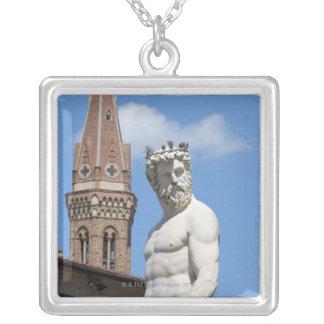 sculpture de Neptune sur Fontana di Nettuno Pendentif Carré