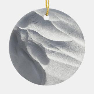 Sculpture en dérive de neige d'hiver ornement rond en céramique