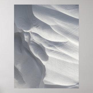 Sculpture en dérive de neige d'hiver posters