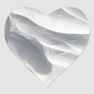 Sculpture en dérive de neige d'hiver sticker cœur