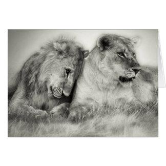 Séance et nuzzlingin Botswana de lionne et de fils Carte De Vœux