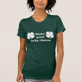 Secouez vos charmes chanceux t-shirts