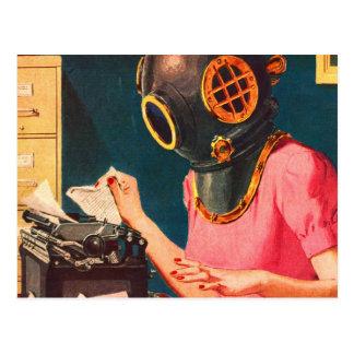 Secrétaire étrange de casque de piqué de rétro carte postale