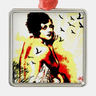 Séduction nostalgique - vol intemporel ornement carré argenté