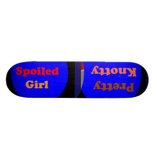 Sélections graphiques artistiques skateboards customisés