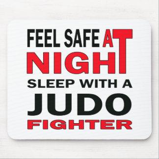 Sentez en sécurité au sommeil de nuit avec un tapis de souris