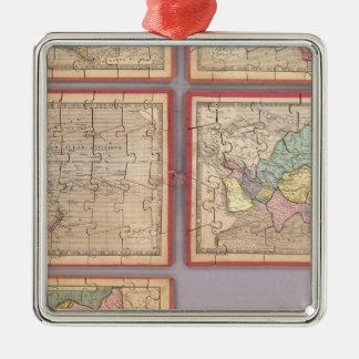Sept cartes de puzzle du monde ornement carré argenté