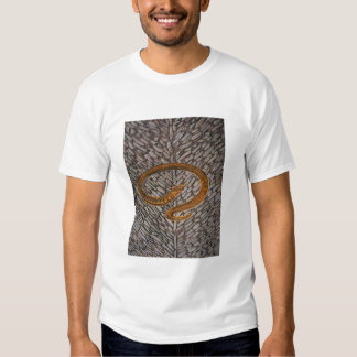Serpent sur des pierres de pavé t-shirt