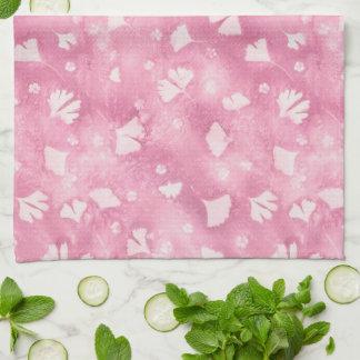 Serviette de cuisine rose-clair de Ginkgos et de
