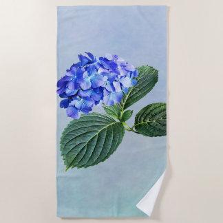 Serviette De Plage Hortensia bleu-foncé avec l'arrière - plan du