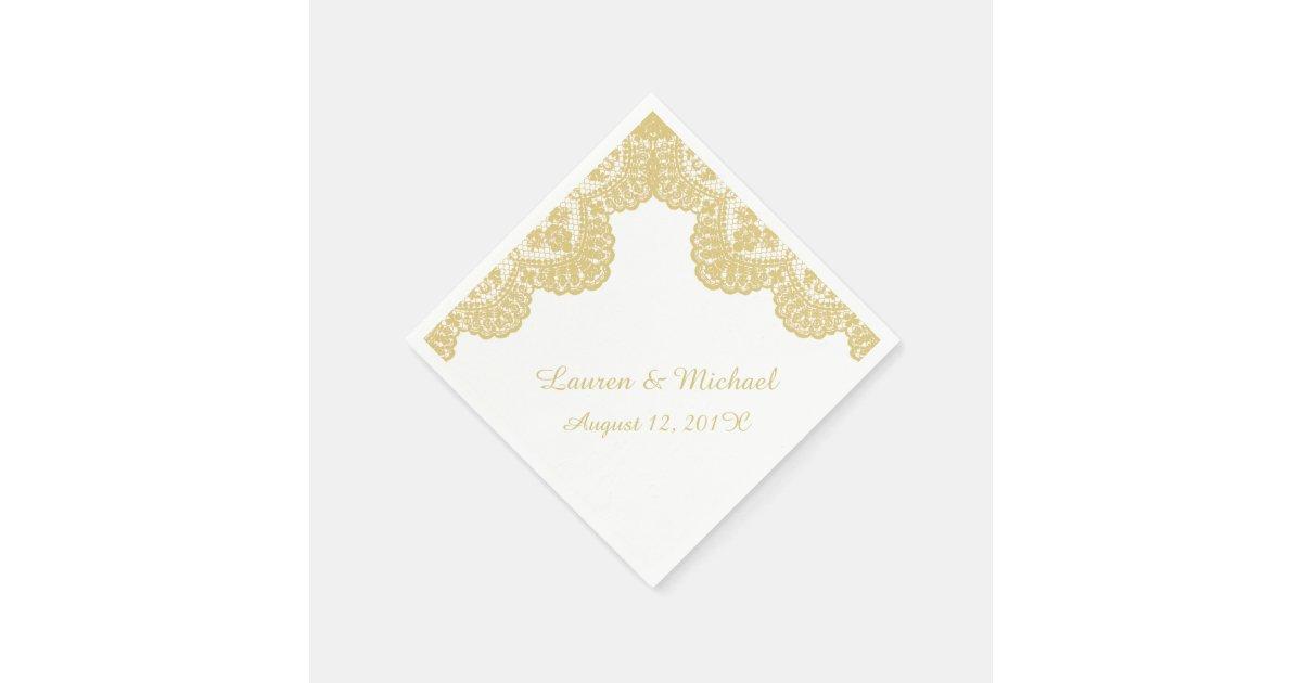 Serviette en papier dentelle de faux d 39 or sur le mariage blanc - Serviette en papier mariage ...