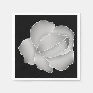 Serviette En Papier Rose élégant de gris argenté sur le noir ou toute