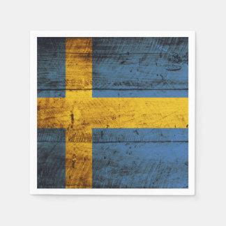 Serviette Jetable Drapeau de la Suède sur le vieux grain en bois
