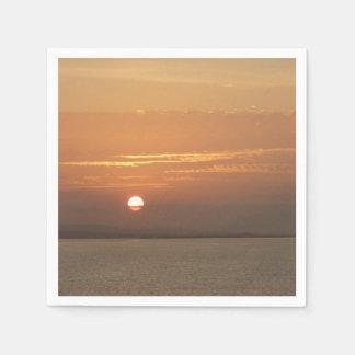 Serviette Jetable Lever de soleil au-dessus de paysage marin d'Aruba
