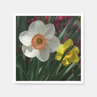 Serviette Jetable Paires de jonquilles roses et de fleurs jaunes de