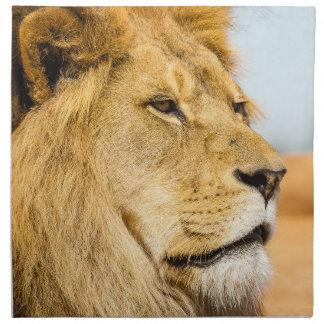 Serviettes De Table Grand lion regardant loin