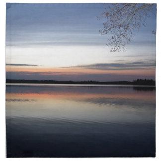 Serviettes De Table Les nuages roses réfléchissent sur le lac junior à