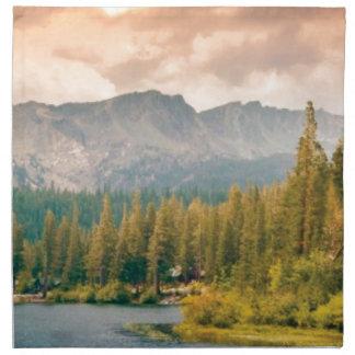 Serviettes De Table montagne et courant d'arbres