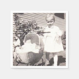 Serviettes En Papier Boguet de bébé vintage de la petite fille W de