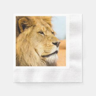 Serviettes En Papier Grand lion regardant loin