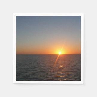 Serviettes En Papier Lever de soleil au paysage marin d'horizon d'océan