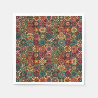 Serviettes En Papier Patchwork vintage avec les éléments floraux de