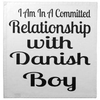 Serviettes En Tissus Rapport avec le garçon danois