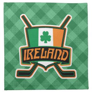 Serviettes irlandaises de logo de drapeau de
