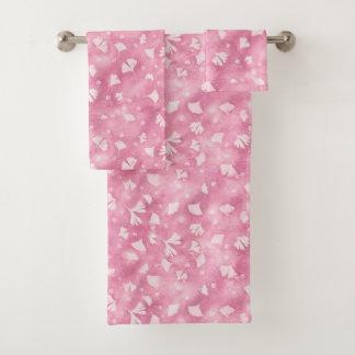 Serviettes rose-clair de Bath de Ginkgos et de