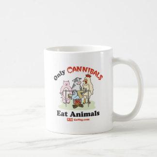 Seulement les cannibales mangent la tasse