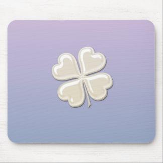 Shamrock chanceux de perle chic adorable avec du tapis de souris