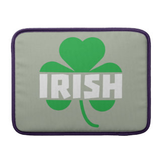 Shamrock irlandais Z2n9r de feuille de trèfle Poche Macbook Air