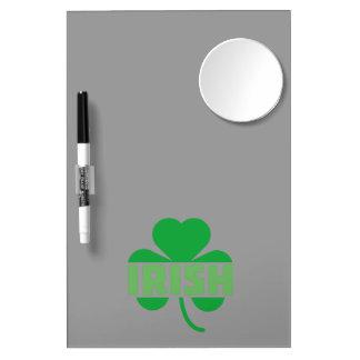 Shamrock irlandais Z9t2d de feuille de trèfle Tableaux Effaçables Blancs