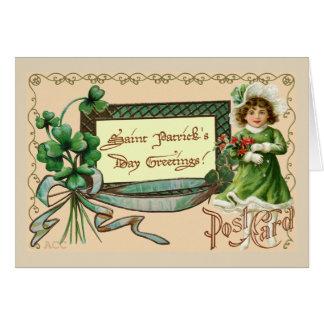 Shamrocks de fille de salutations du jour de carte de vœux