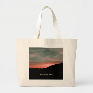 Sierra lever de soleil de Nevada Grand Tote Bag