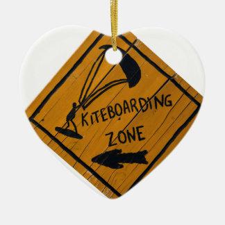 Signe de Kiteboard Ornement Cœur En Céramique