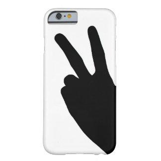 Signe de paix à la main coque iPhone 6 barely there