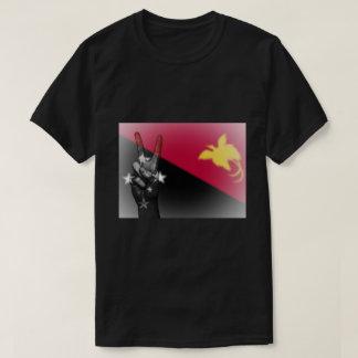 Signe de paix de drapeau de la t-shirt