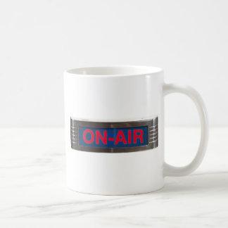 Signe de Sur-Air ou radiodiffusion antique de Mug