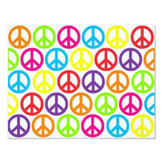 Signes de paix multicolores multiples carton d'invitation 10,79 cm x 13,97 cm