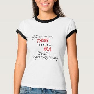 s'il implique le pantalon ou un soutien-gorge il t-shirt
