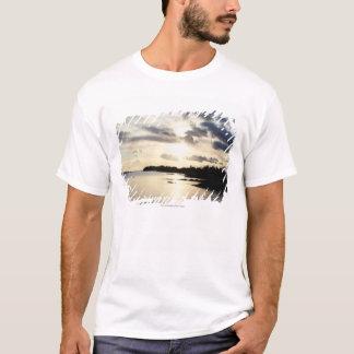 Silhouette côtière dans le comté Kerry, Irlande T-shirt