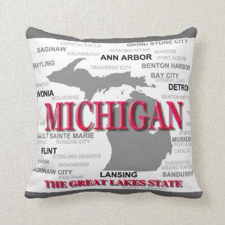 Silhouette de carte de fierté d État du Michigan Oreiller