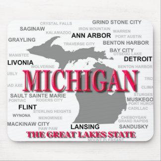 Silhouette de carte de fierté d État du Michigan Tapis De Souris