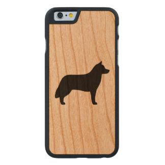 Silhouette de chien de traîneau sibérien coque carved® slim iPhone 6 en cerisier