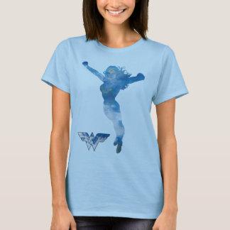 Silhouette de ciel bleu de femme de merveille t-shirt