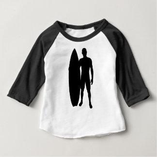 Silhouette de garçon de surfer t-shirt pour bébé