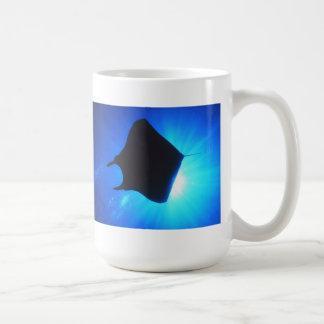 Silhouette de rayon de Manta Mug